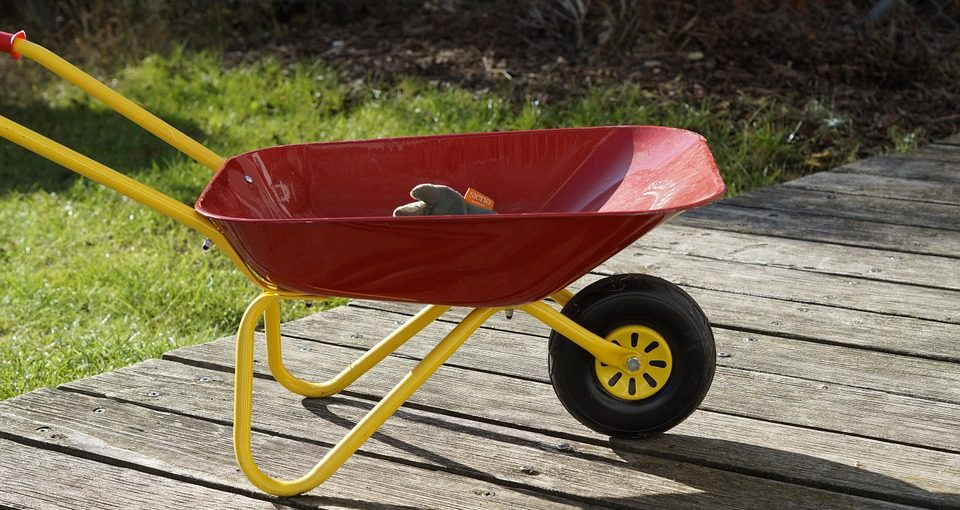 Best Wheelbarrow Under $100 For Gared