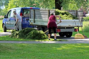 Ways for Dealing with Yard Maintaining